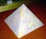 Kim tự tháp Thạch Anh